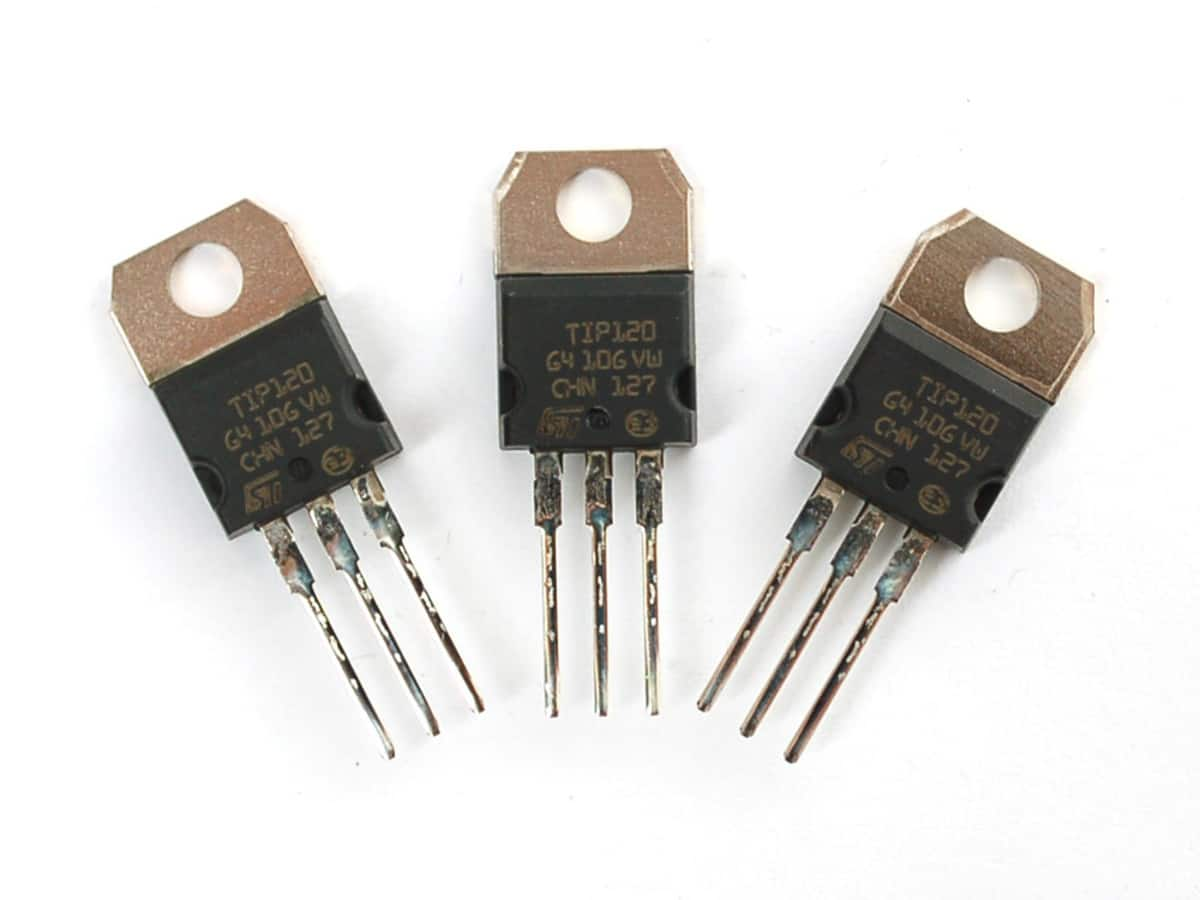 Historia de la informática-transistores