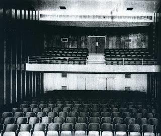 Historia del teatro en el Perú-Primeras salas