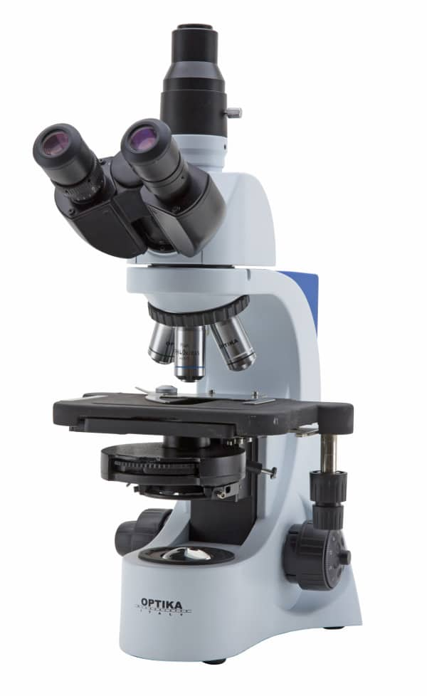 historia del microscopio trinocular