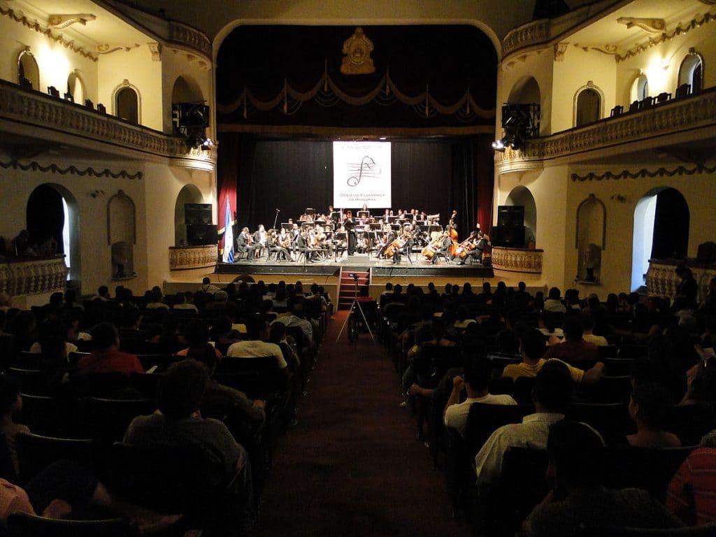 historia del teatro en Honduras, Antecedentes