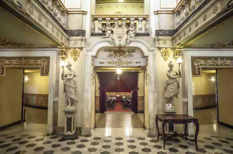 historia del teatro nacional de Costa Rica y sus interiores