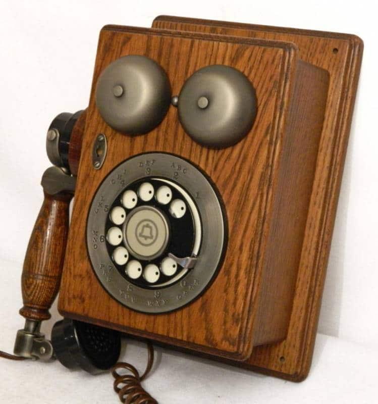 historia del telefono antiguo
