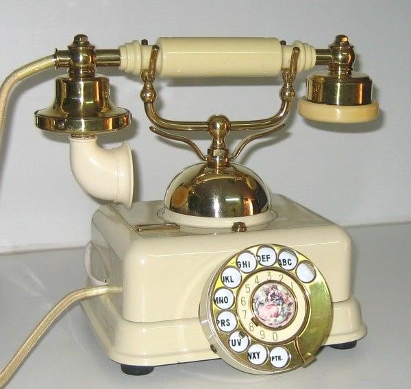 historia del telefono de disco con letras