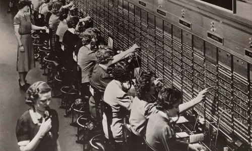 Historia del telefono, indicios