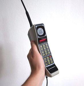 primer teléfono Motorola DynaTAC 8000X