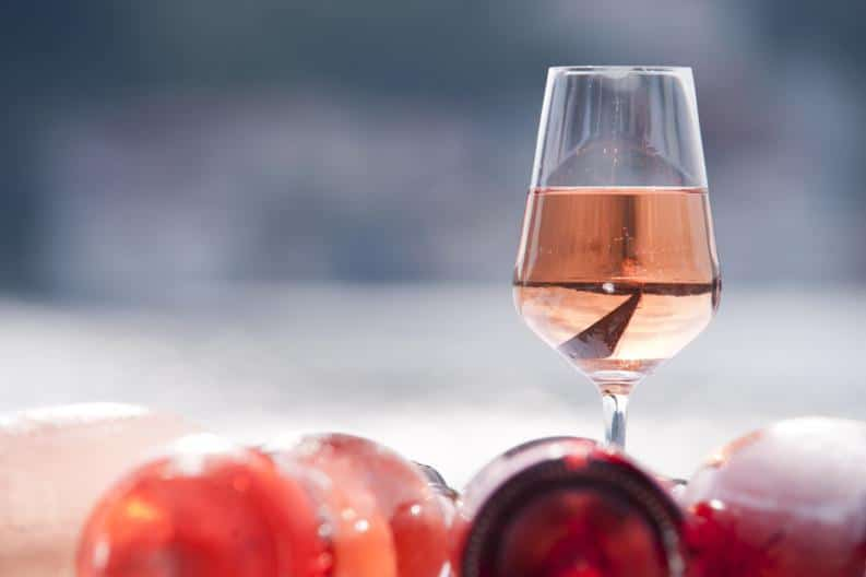 historia del vino rosado