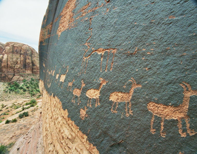 historia de la comunicación petroglifos