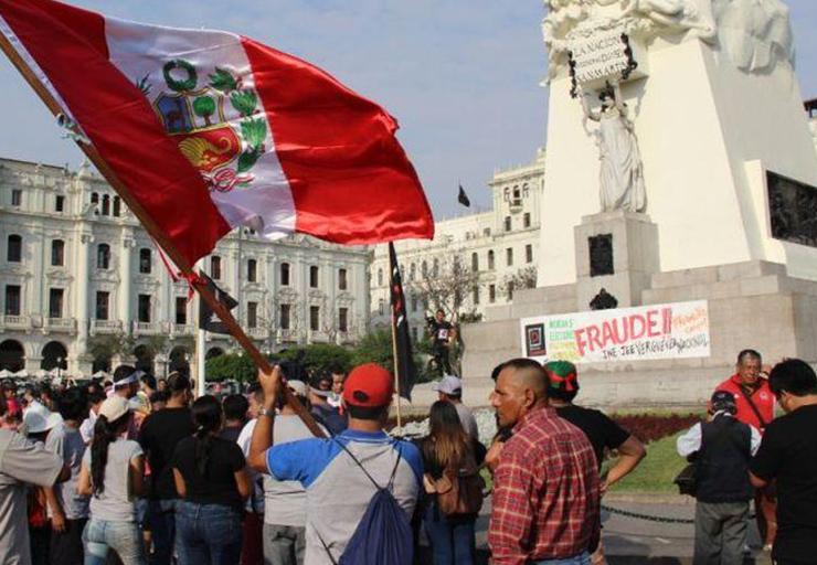 historia de la democracia en Perú