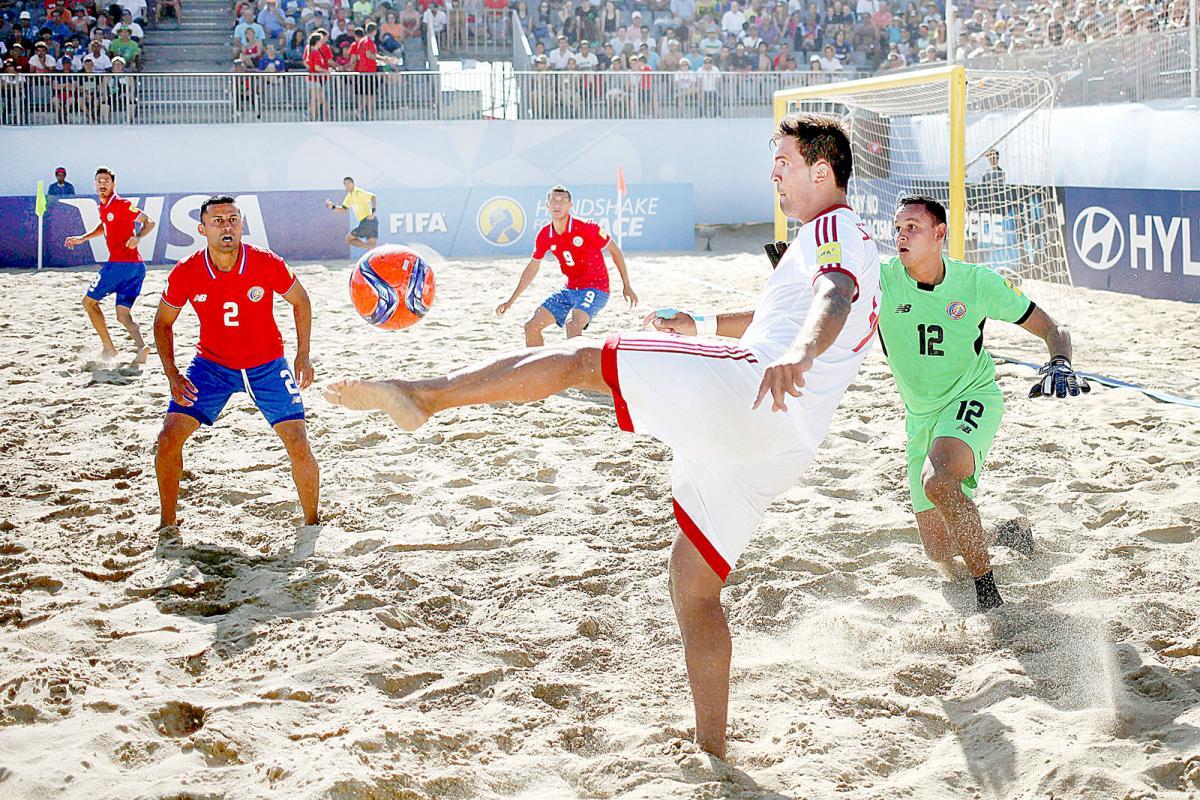 Historia de Fútbol: Playa, Callejero, Tenis