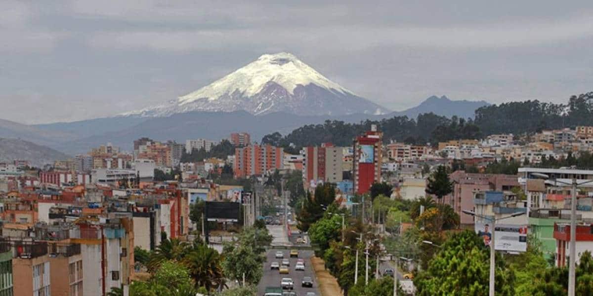 Historia de Quito: fiestas, aeropuerto, basílica y otros sitios más